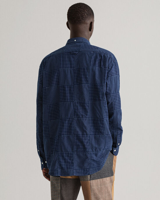 REMAKE Relaxed Fit Patchwork-Hemd in Indigoblau